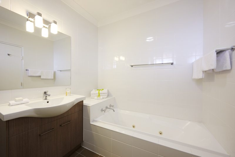 Narrabri Accommodation, the Adelong Motel, has clean bathrooms perfect for relaxing in