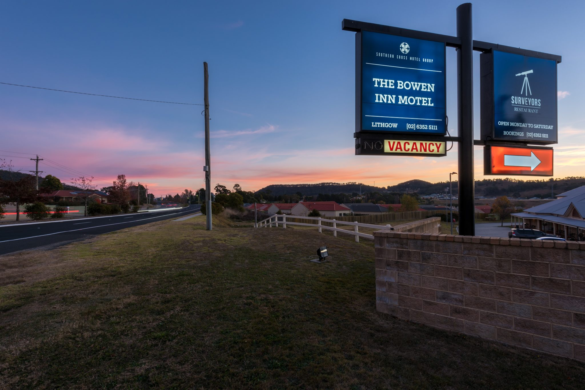 The Bowen Inn Motel is easily visible from the highway