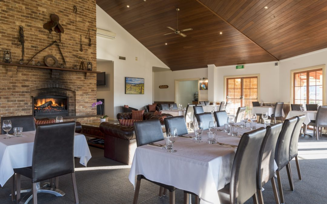 The Surveyors Restaurant at the Bowen Inn Motel in Lithgow is a good place to eat near town