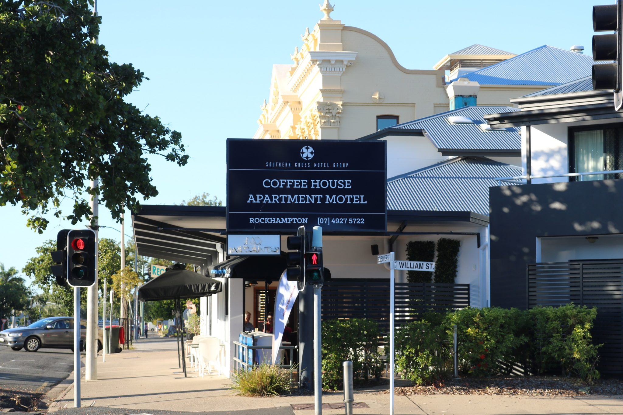 Coffee House Apartment motel in Rockhampton is just on the corner of Bolsover Street and William Street
